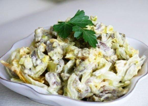 """Салат из говядины с овощами - """"Сытые гости"""" - быстрое и вкусное блюдо"""